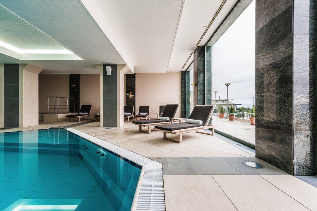 hệ thống smarthome tại bể bơi